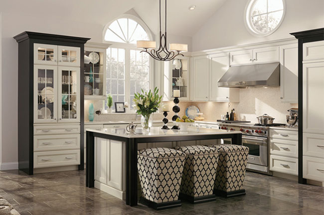 Maple Kitchen In Canvas And Onyx Kraftmaid