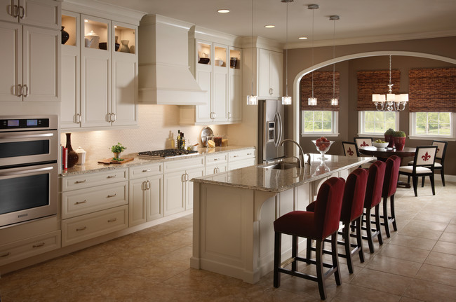 Lovely Maple In Canvas Kitchen
